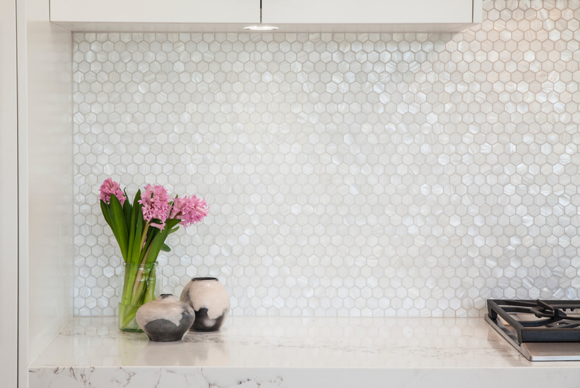 Handmade Genuine White Hexagon Mother Of Pearl Mosaic Tile For Bathroom Kitchen Wall Spa Shower Backsplash Tile Kitchen Splashback Mother Of Pearl Backsplash Contemporary Style Kitchen