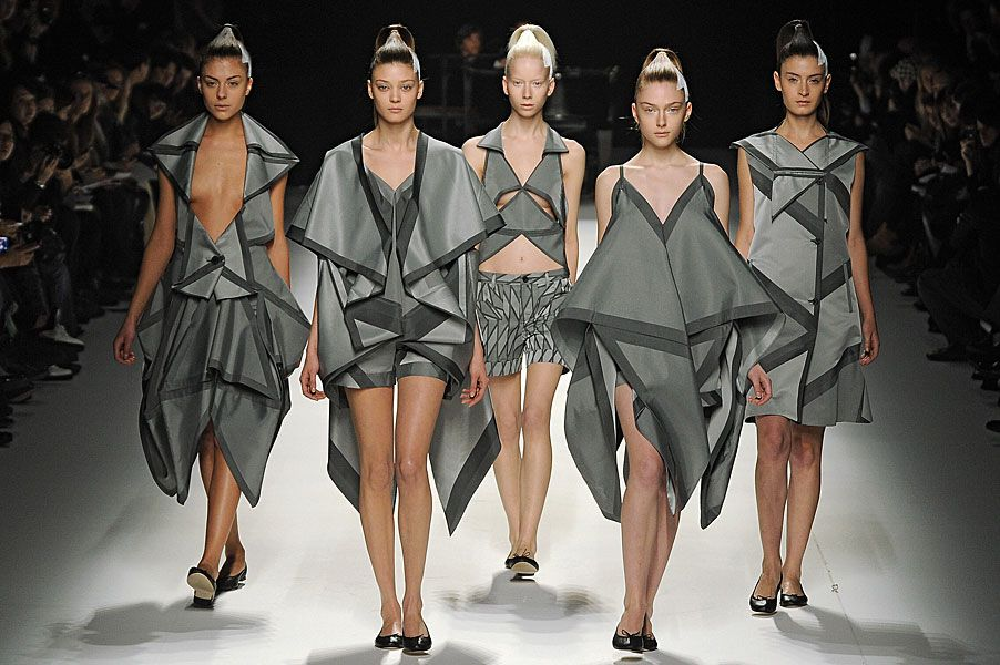 Personal Project Issey Miyake Japanese Fashion Designer Japanese Fashion Designers Origami Fashion Fashion