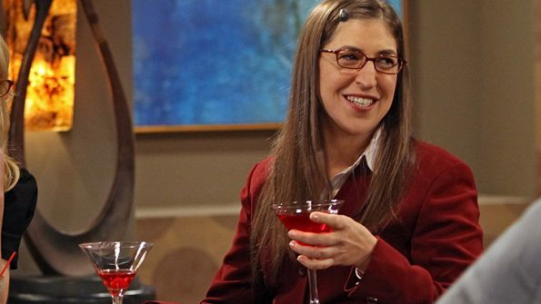 """Mayim has been speaking at DeVry University for some time now, spreading knowledge to women about going into a career in STEM (Science, Technology, Engineering, and Math).<br /> <br /> """"I want to show girls what women in these careers look like,"""" <span style=""""line-height: 16.6399993896484px;"""">she explained in a morning talk show.</span>Get it, girl!"""