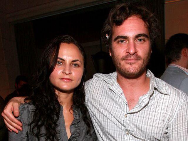 Joaquin Phoenix and older sister Rain