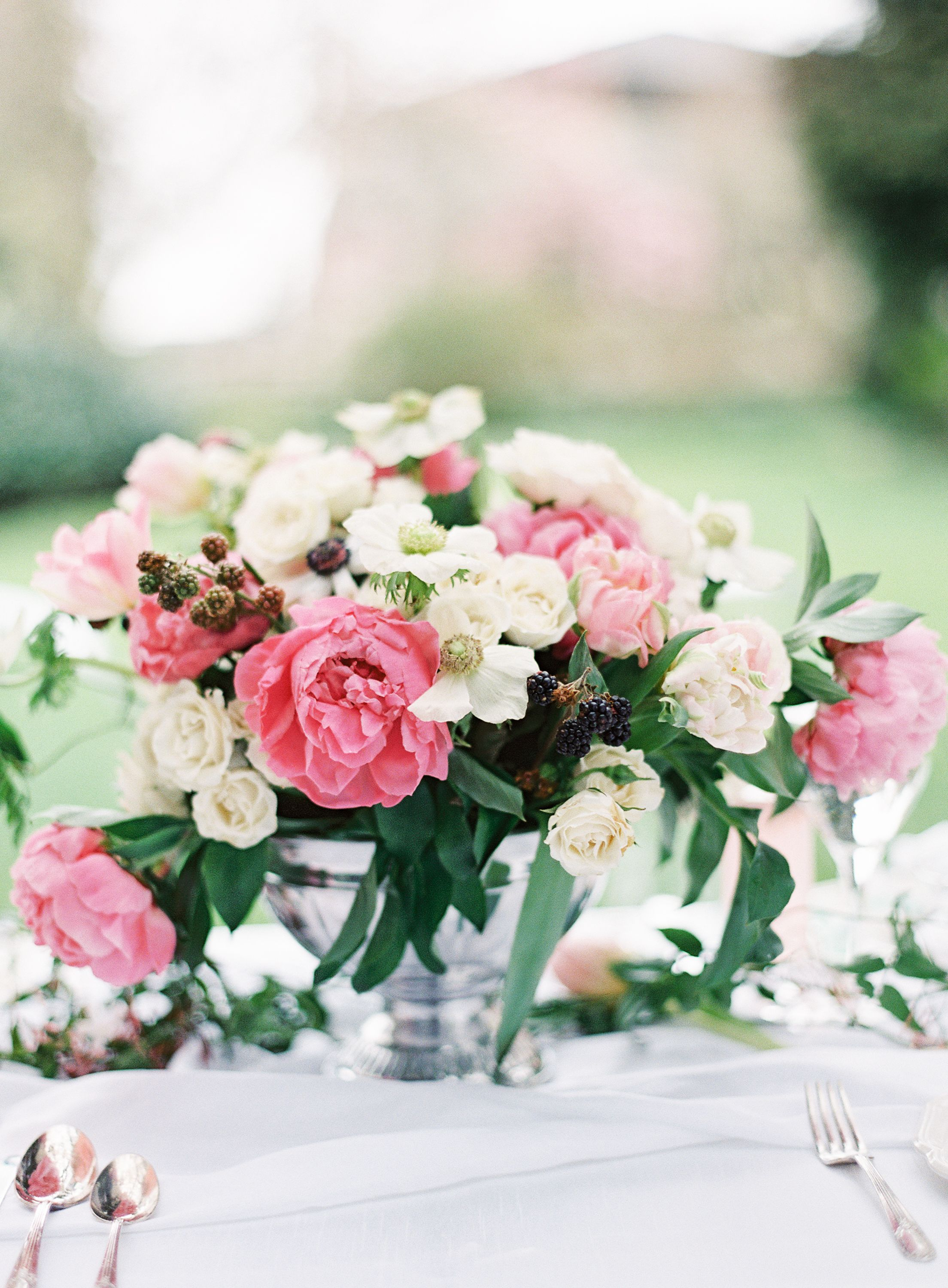 Spring Wedding Flowers By Valley Co Image By Omalley
