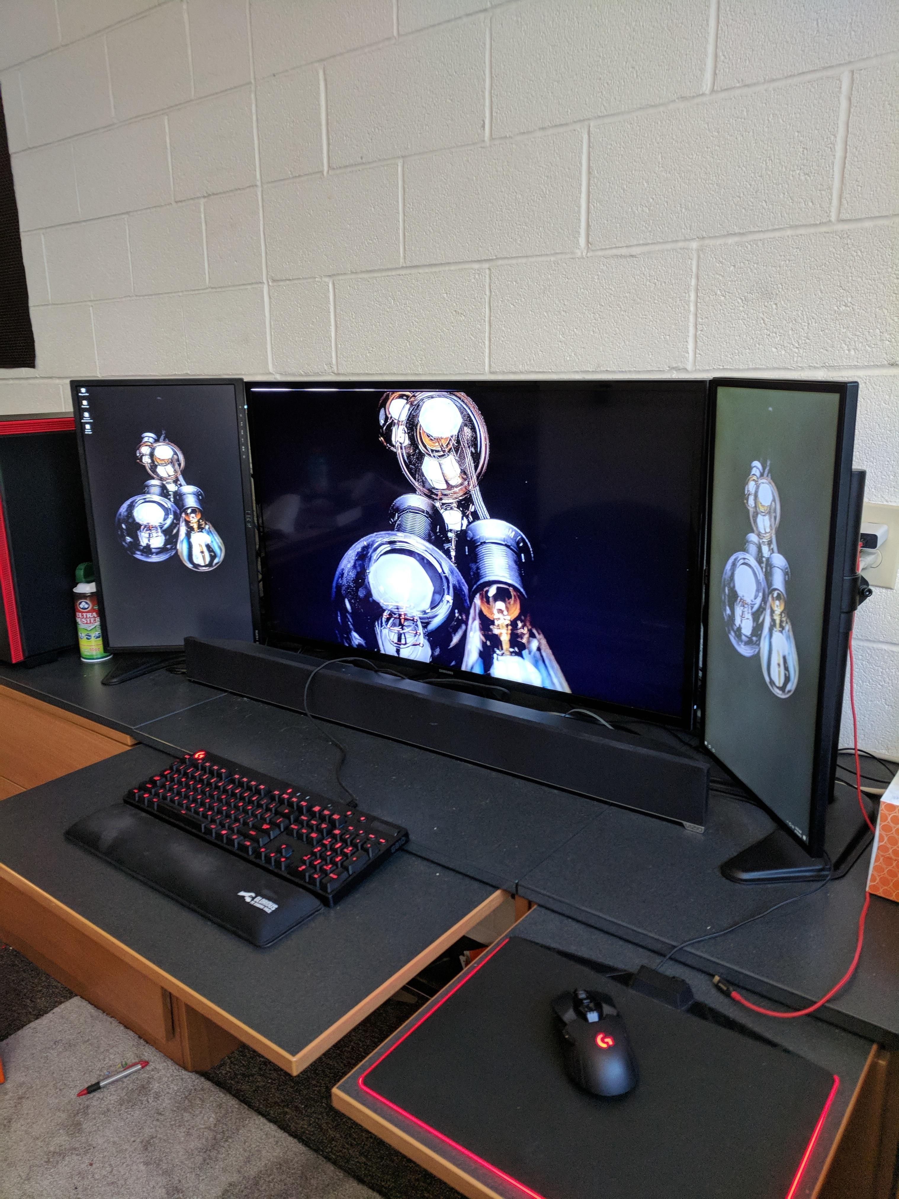 Https Ift Tt 2jlzjb9 Room Setup Dorm Room Setup Room Setup Computer Desk Setup