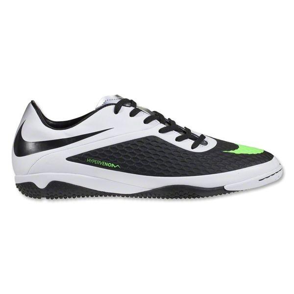 Pin Di Sepatu Futsal