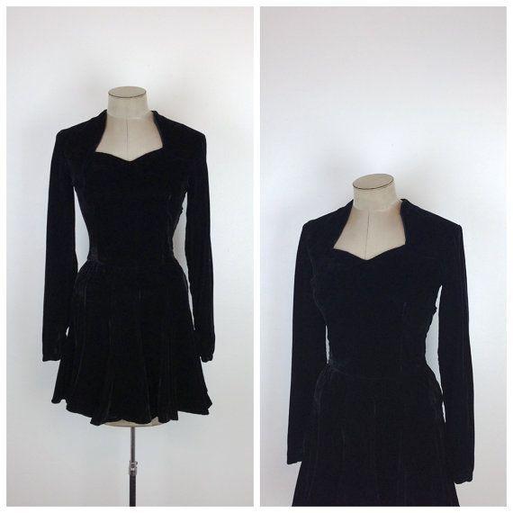 40s Black Silk Velvet Ice Skating Dress • 1940s Long Sleeve Skating Outfit • Costume • Full Flared Skirt  • Short • Small