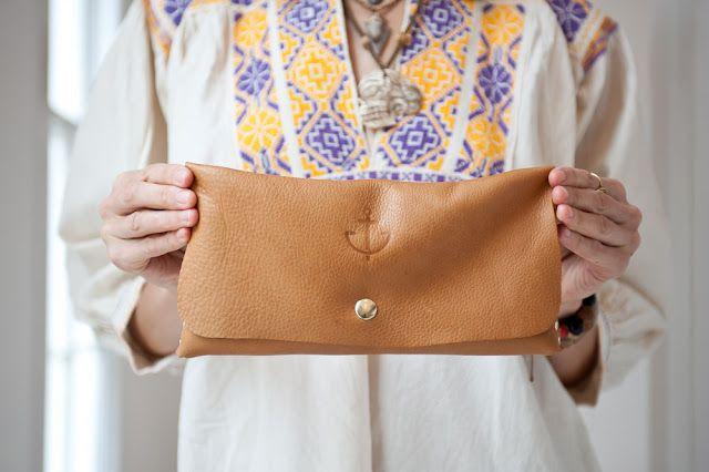 Doefabco Anchor Brand Envelope clutch