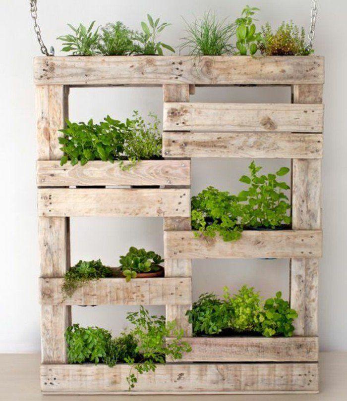 le mur v g tal en palette id es originales pour un jardin vertical r cup. Black Bedroom Furniture Sets. Home Design Ideas
