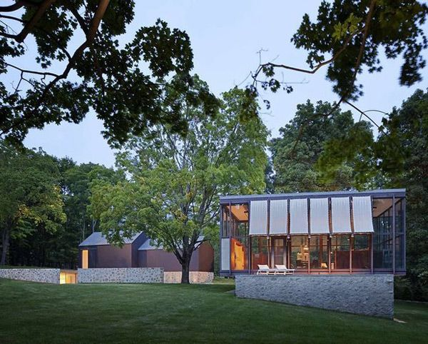 Philip Johnson's Wiley House - http://www.interiorredesignseminar.com/interior-design-inspirations/philip-johnsons-wiley-house/
