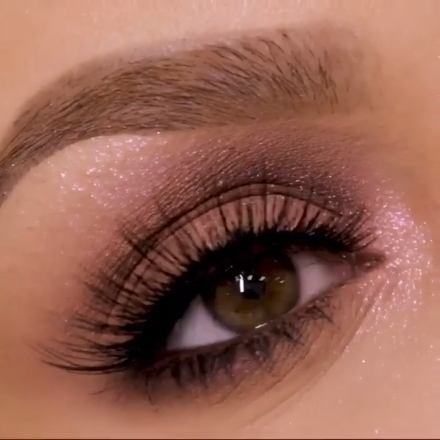Photo of SPARKLY NUDE EYE MAKEUP TUTORIAL