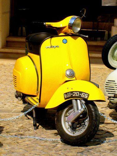 Vespa Piaggio 150PX, 1970's, Pastel Blue & White - Art T Hire |Pastel Yellow Vespa