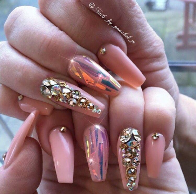 Pink nail art lovemebeauty85 beauty nails 7 for Decoracion de unas con piedras swarovski