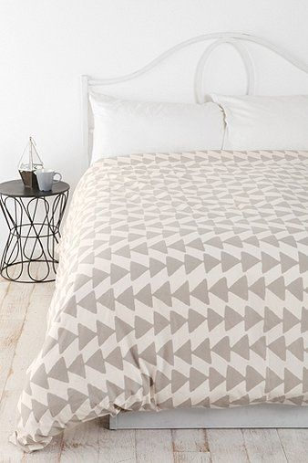 Magical Thinking Triangle Chain Duvet Cover Contemporary Duvet Covers Duvet Covers Urban Outfitters Bedroom Inspirations