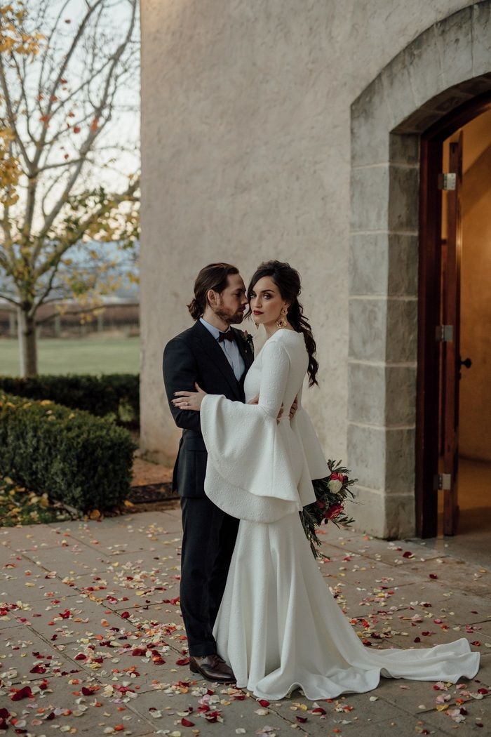 You Ll Love The Stylish Moody Color Palette In This Stones Of The Yarra Valley Wedding Junebug Weddings Wedding Inspiration Fall Wedding Dresses Perth Melbourne Wedding