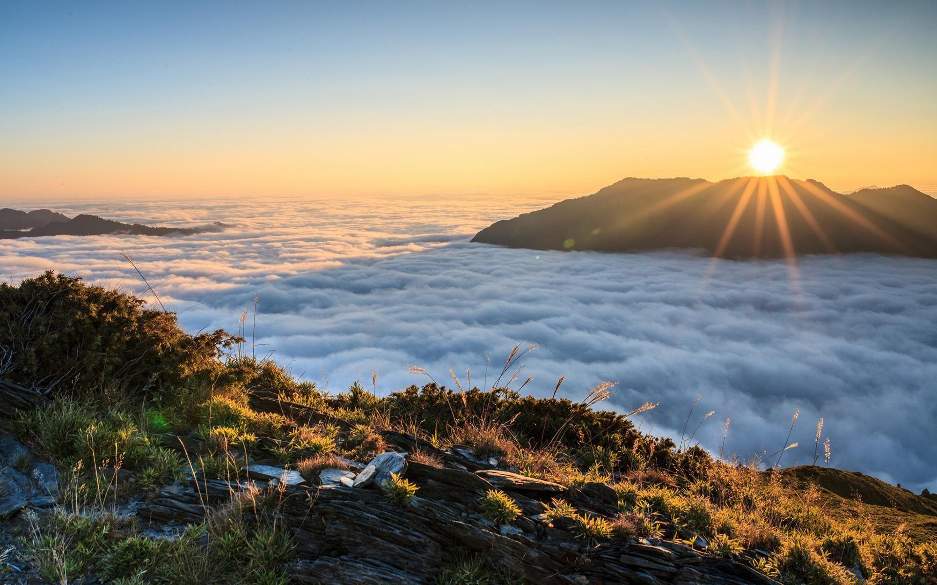 Negeri Di Atas Awan Puncak B29 Di Lumajang Provinsi Jawa Timur Jawa Timur Pemandangan Awan Pemandangan Khayalan