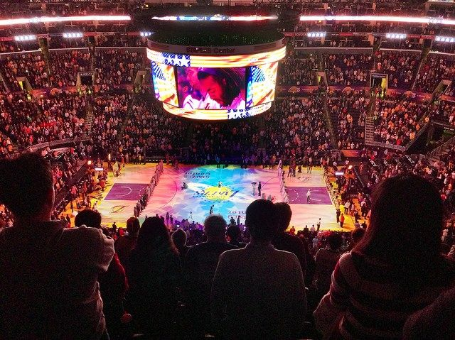 Vegetarian BBall Fans: L.A.'s Staples Center Most Veg-Friendly NBA Arena in Nation
