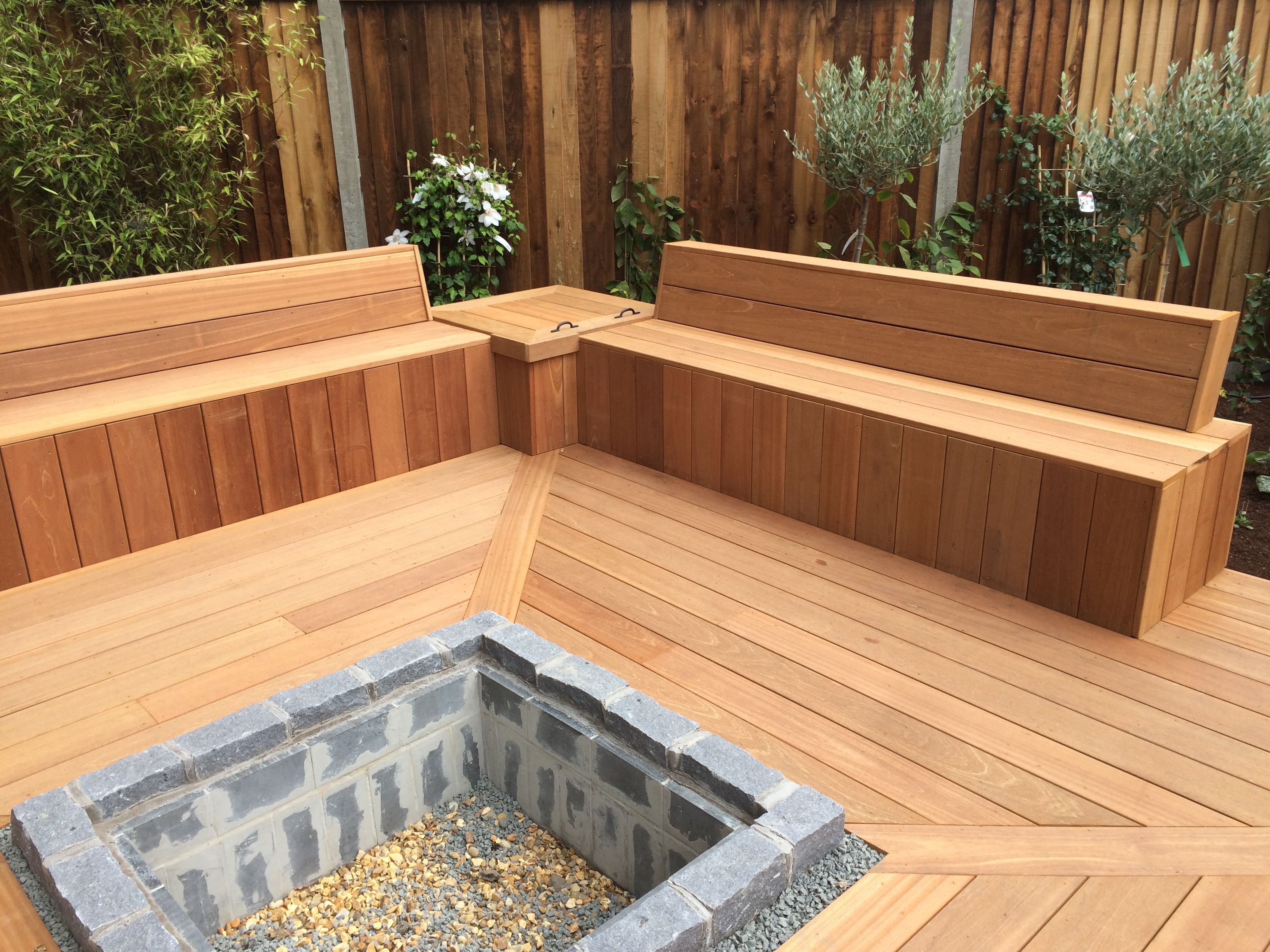 Sunken Fire Pit Incorporated Into A Welcoming Decking Area A Recent Creation Of Rosie Landscapes Sunken Fire Pits Deck Fire Pit Garden Sitting Areas