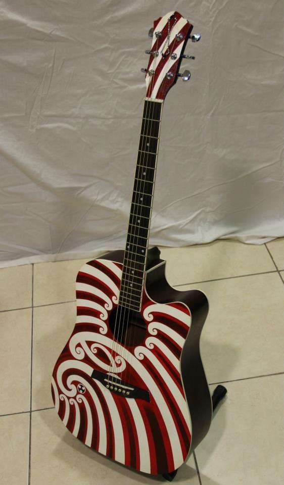 Cool Design On This Maori Guitar 3 Hiwirori Maynard Maori Art Tribal Art Designs Maori Designs