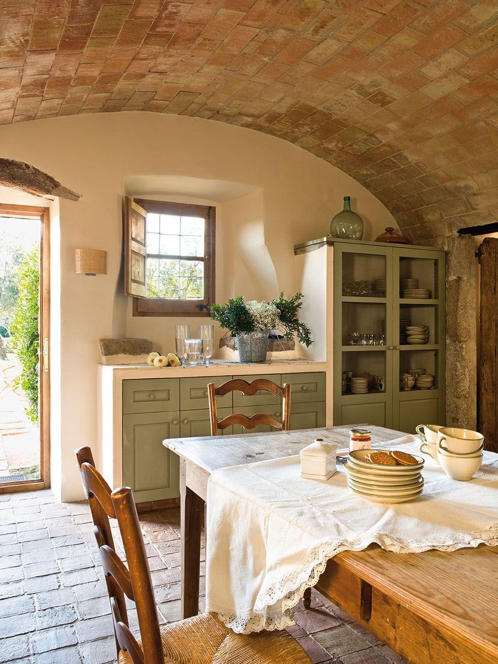 Cette ancienne ferme du 17ème siècle a été restaurée pour devenir une belle maison contemporaine - PLANETE DECO a homes world