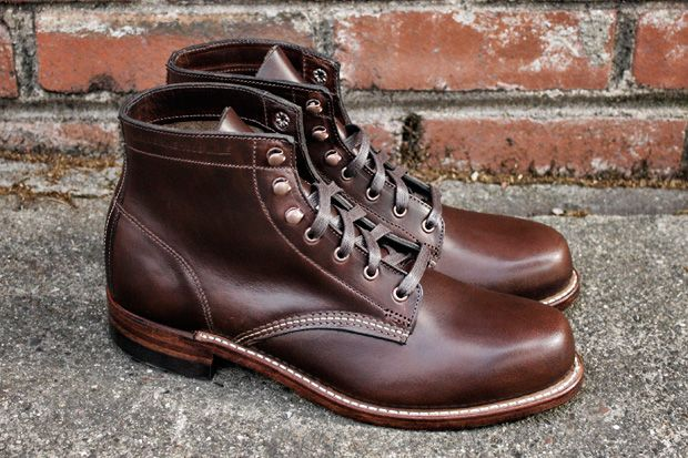 Just used some Obenauf's Leather Preservative to fully winterproof my Wolverine  1000 Mile boots. My