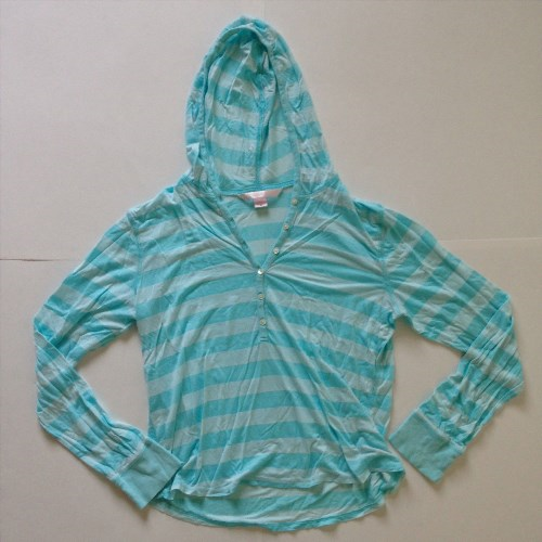 15.00$  Watch here - http://viqmw.justgood.pw/vig/item.php?t=tw72l253220 - Victoria's Secret light blue striped hoodie sleepwear pajama top Size M