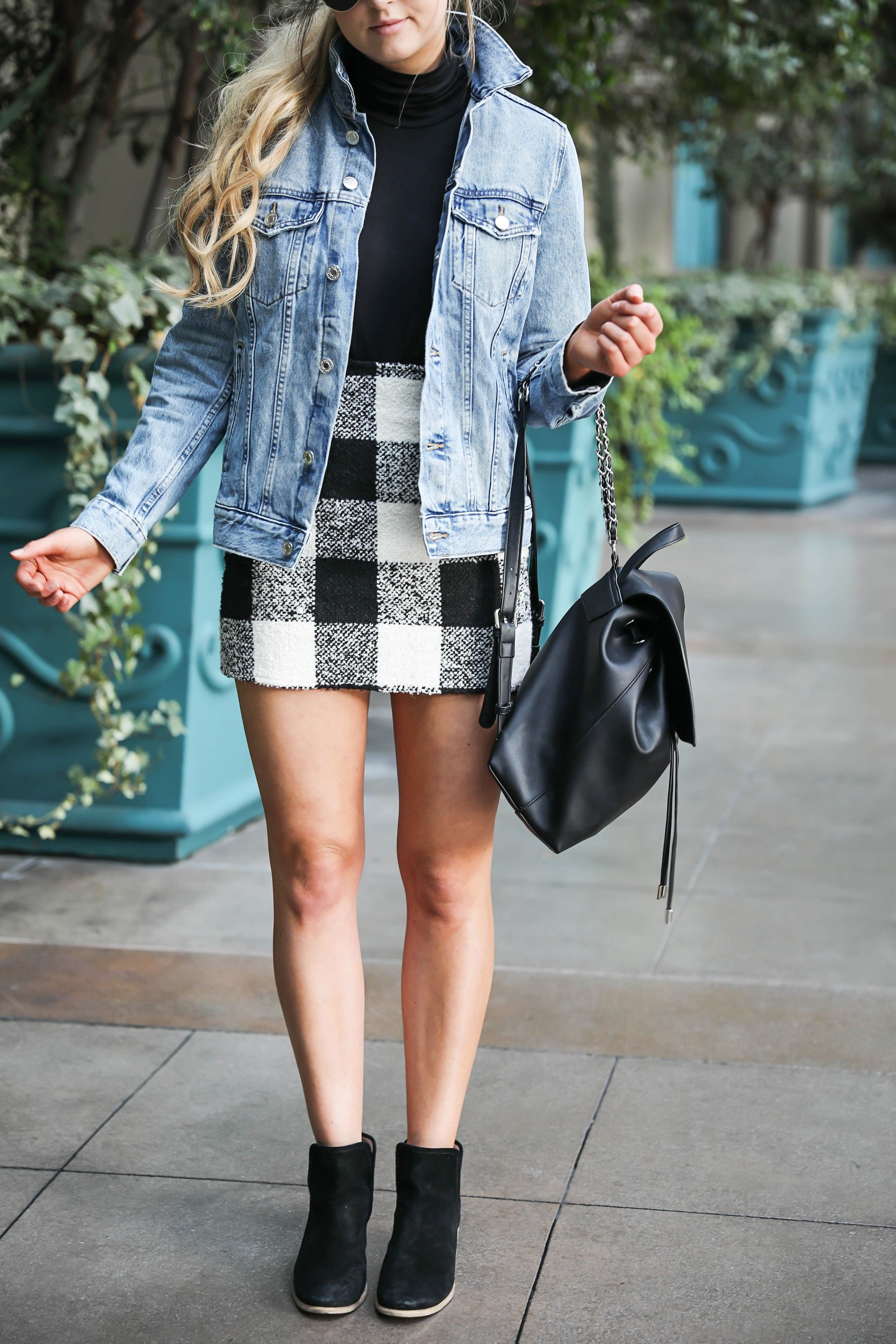 Jean Jacket And Plaid Skirt At The Venetian Hotel Casino In Las Vegas Details On Fashion Blog Daily Dose Of Charm B Plaid Skirts Shopping Outfit Jean Jacket [ 3360 x 2240 Pixel ]