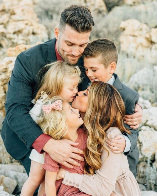 Pin by Kimberly Draeger on the draeger's | Family picture