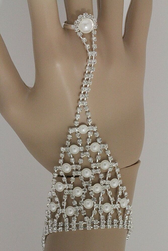 BRIDAL HAND CHAIN WEDDING PROM BRACELET RING FAUX PEARL