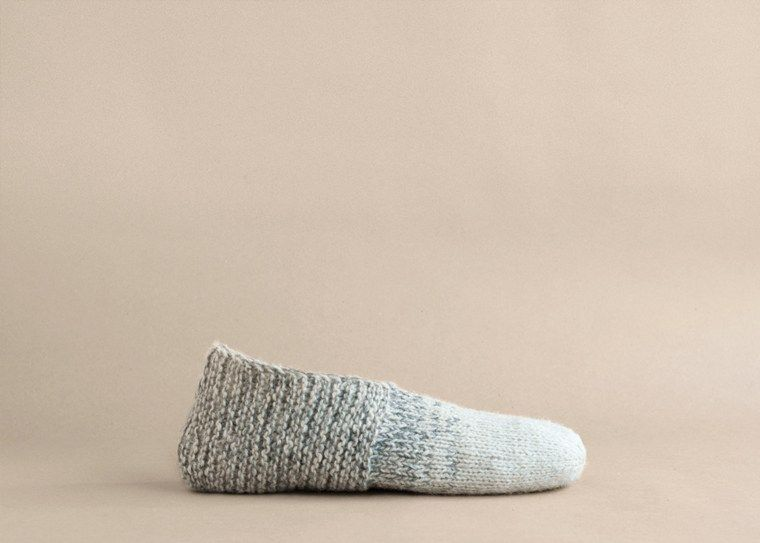 Simple House Slippers | Tejido, Gorro tejido y Lana