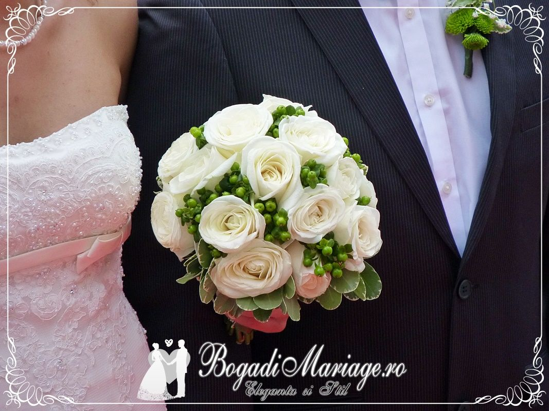 Pin Adăugat De Bogadi Mariage Vatra Dornei Pe Buchete De Mireasă
