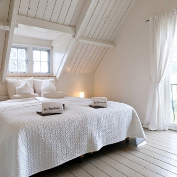 Slaapkamer onder dak | Ideeën interieur | Pinterest | Bed room ...