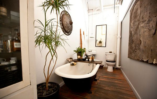 Captivating Artistic Bathrooms With Great Floor: Artistic Loft Bathroom Design Ideas