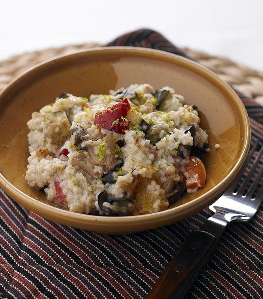 Salada de cuscuz com legumes e iogurte com raspas de lima