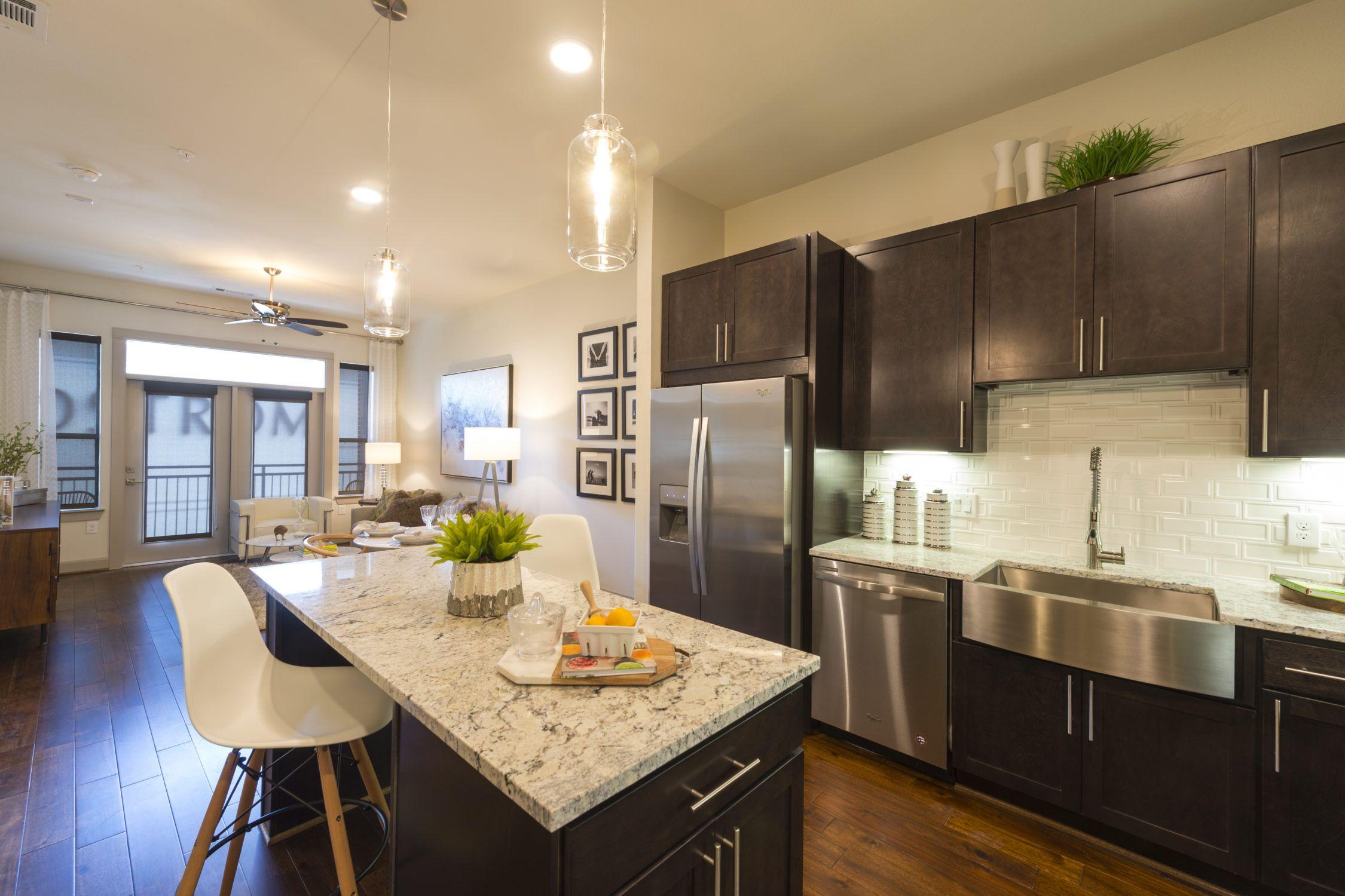 2754 Quincannon Lane Houston Tx Photo Kitchen Redo Renting A House House Styles
