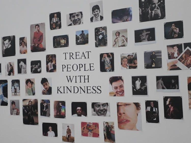 Resultado De Imagen Para Harry Styles Decor One Direction Room One Direction Bedroom Room Inspiration Bedroom