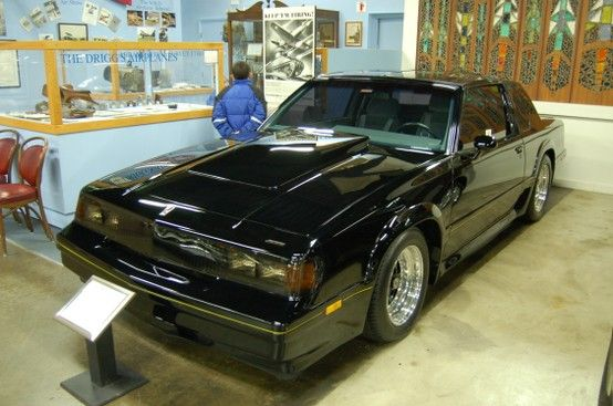A 1985 oldsmobile cutlass salon darth vader coupe r e olds for 1985 olds cutlass salon