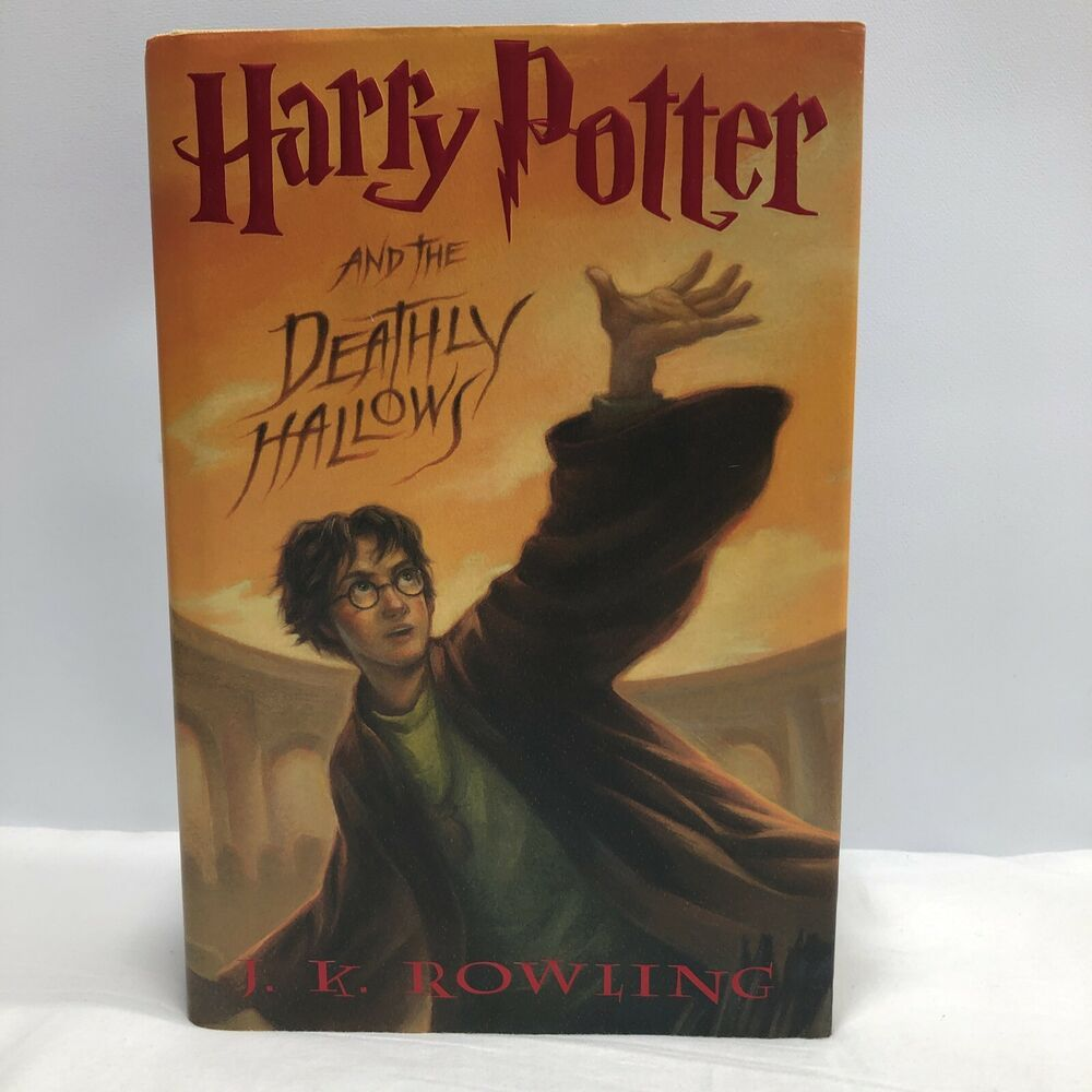 Scholastic Us Harry Potter And The Deathly Hallows By J K Rowling 2007 Hardc Ebay In 2021 Deathly Hallows Book Harry Potter Books Harry Potter