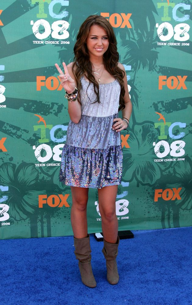 What happened to THIS Miley? You know, the one with the cowboy boots? I miss her