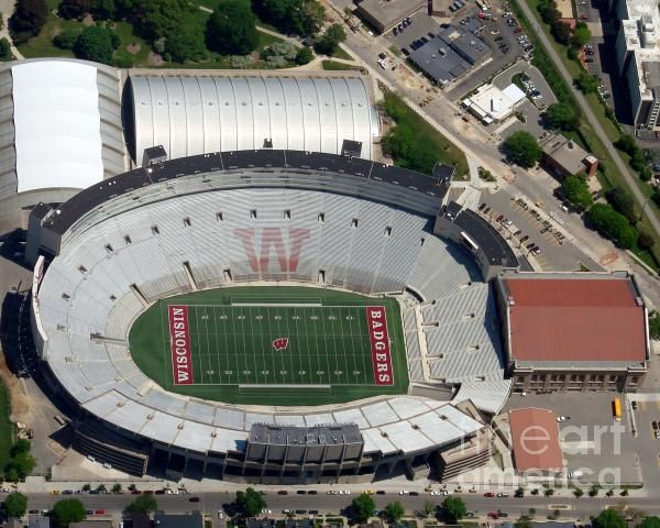 Camp Randall Stadium By Bill Lang Sports Stadium Stadium Football Stadiums