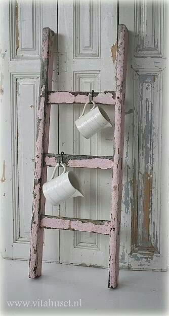 Great Idea For A Small Ladder Shabby Pink Shabby Chic Wall Decor Shabby Chic Curtains Shabby Chic Bathroom