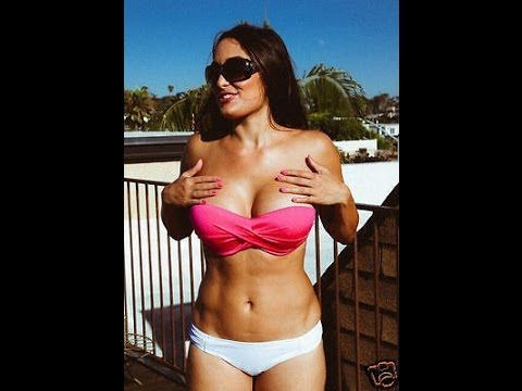 Wwe Divas Sexy Momentswwe Divas Hot And Unexpected Moments