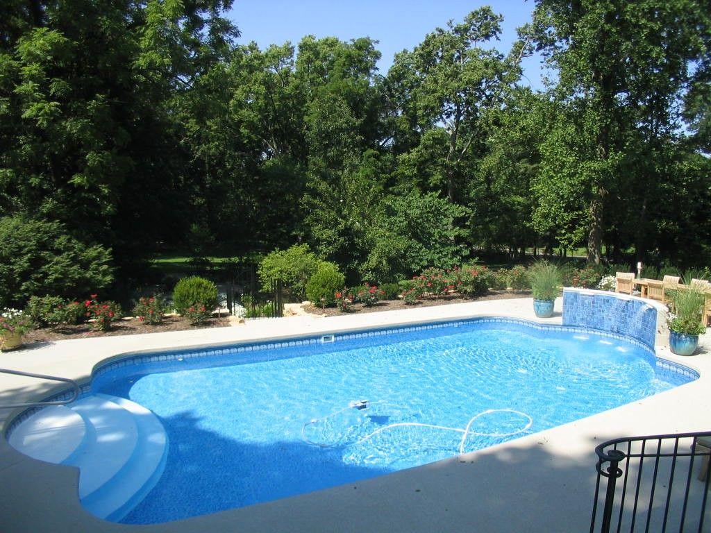 Cl vinyl liner pool with wedding cake steps pool
