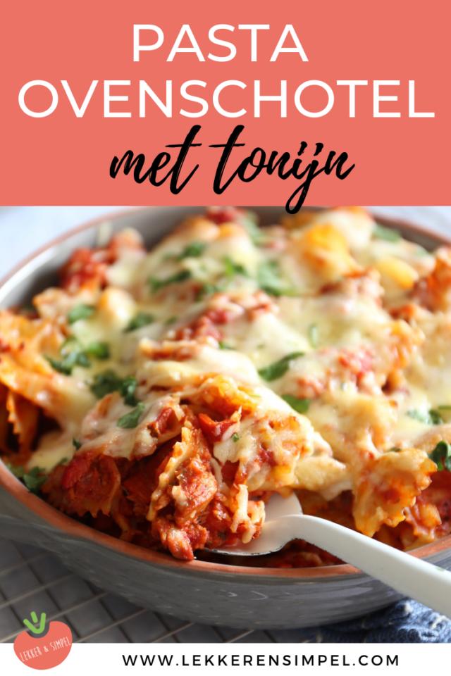 Pastaovenschotel met tonijn en mozzarella is part of Pasta - Ben je gek op pasta en gek op ovenschotels  Maak dan zeker eens deze pastaovenschotel met tonijn en mozzarella! Klaar in 30 minuten