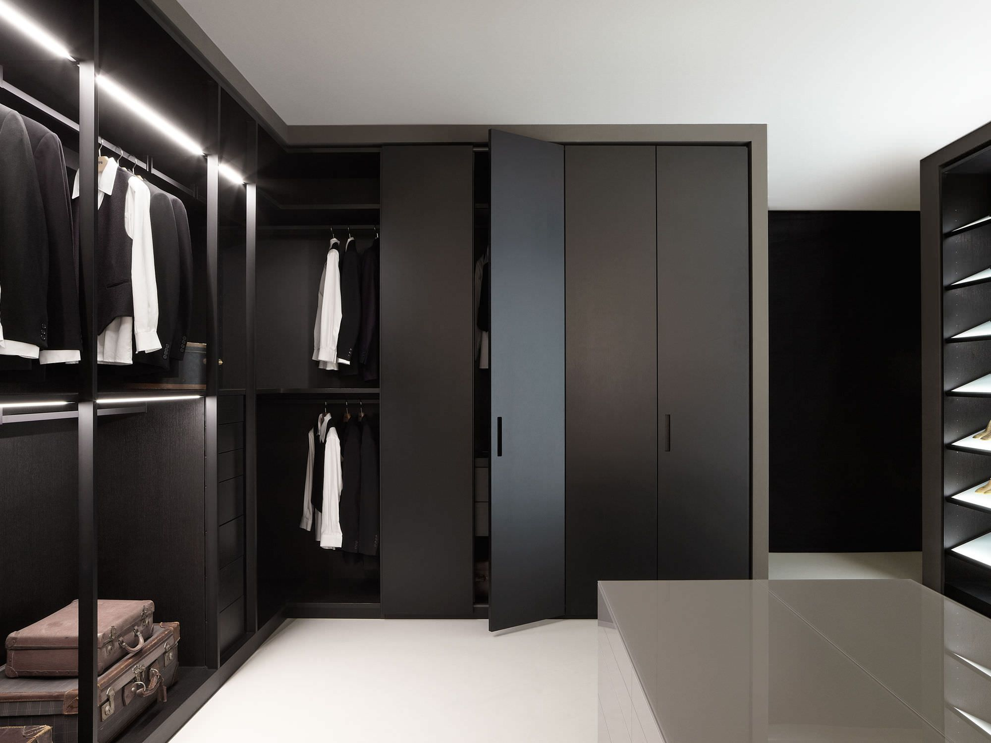 Minimalist Solid Black Enclosed Wardrobe Closet Design ...