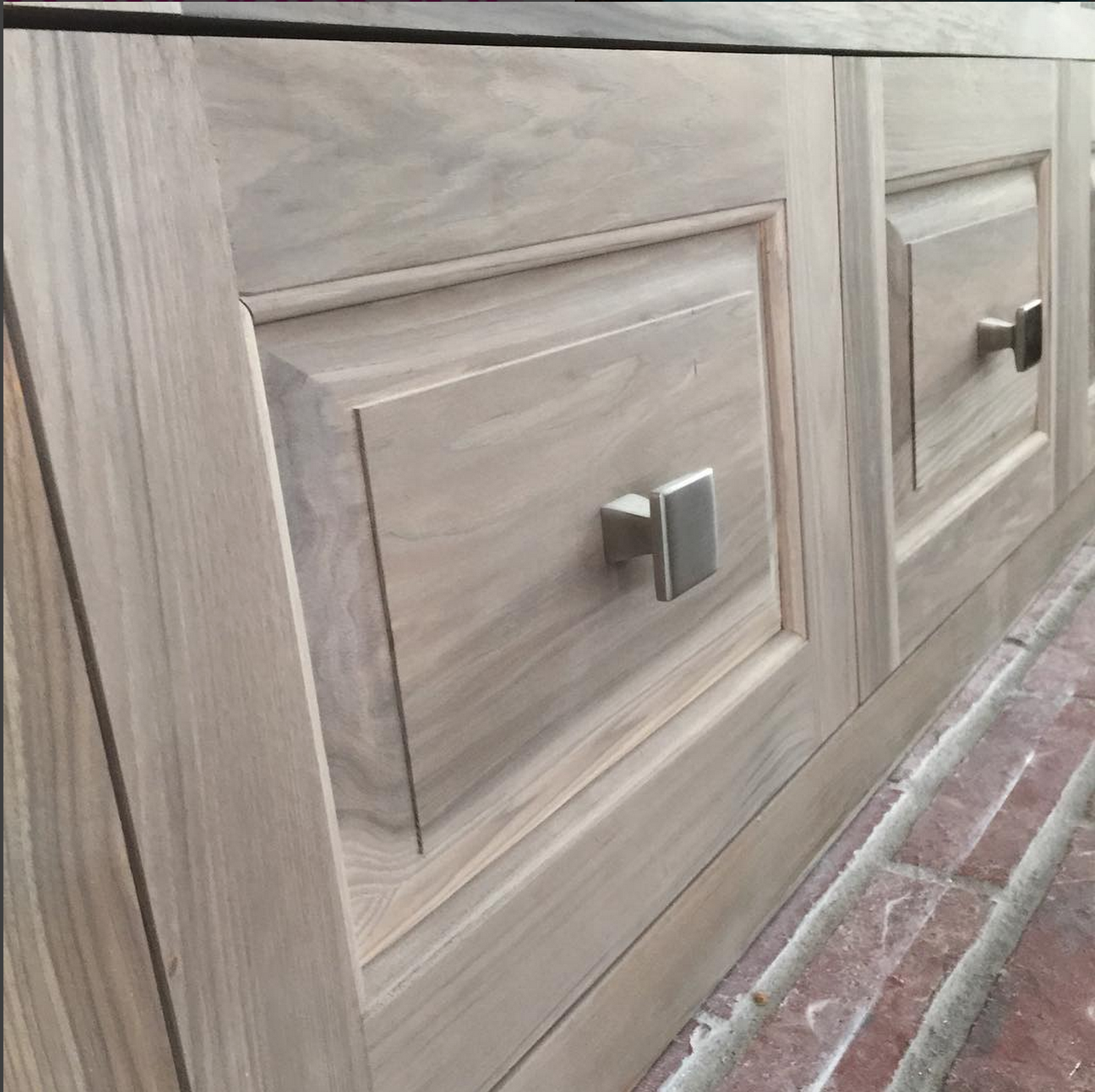 Diy Glazing Kitchen Cabinets: From Gardners 2 Bergers: DIY Weathered Hickory Cabinets In