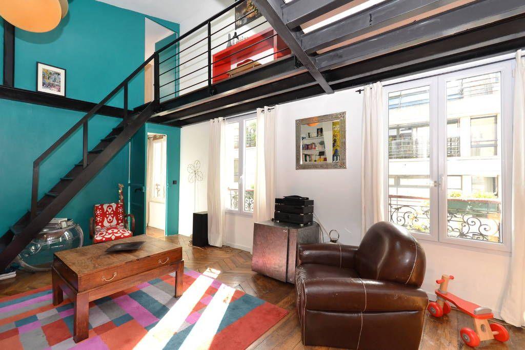 loft paris france loft d 39 architecte ensoleill sur la butte montmartre 80m2 salon. Black Bedroom Furniture Sets. Home Design Ideas