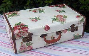 floral decoupage suitcase vintage suitcases pinterest valise vieilles valises et malle. Black Bedroom Furniture Sets. Home Design Ideas