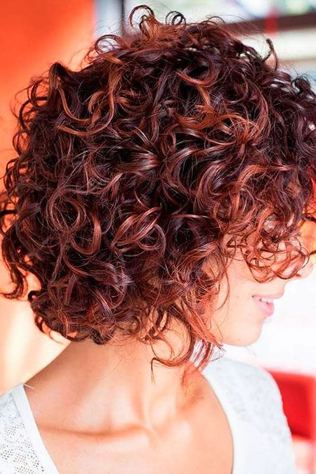 Brunette Hair Curly Women Short Hairtyles Kurze Lockige Frisuren Lockige Frisuren Kurzes Lockiges Haar