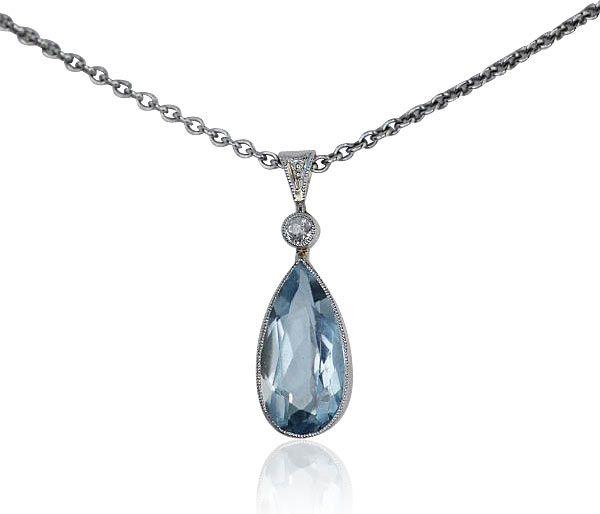 Vintage Jewels Schmuck Second hand kaufen  verkaufen Aquamarinnobel akzentuiert mit Diamant