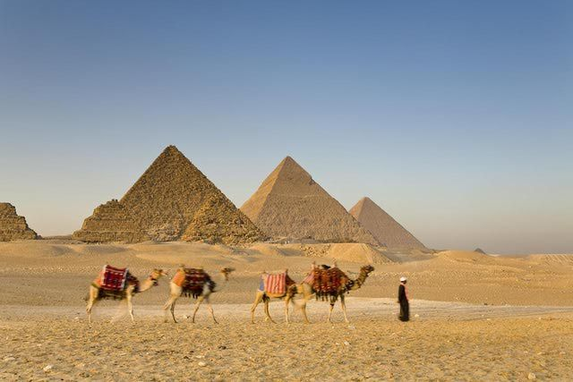 The Top 10 Sights to See in Egypt: A Photo Guide to the Ultimate Vacation: The Pyramids of Giza and the Sphinx
