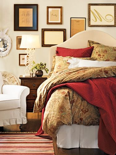 Your Organic Bedroom: Shower Off Your Scarves And Belts