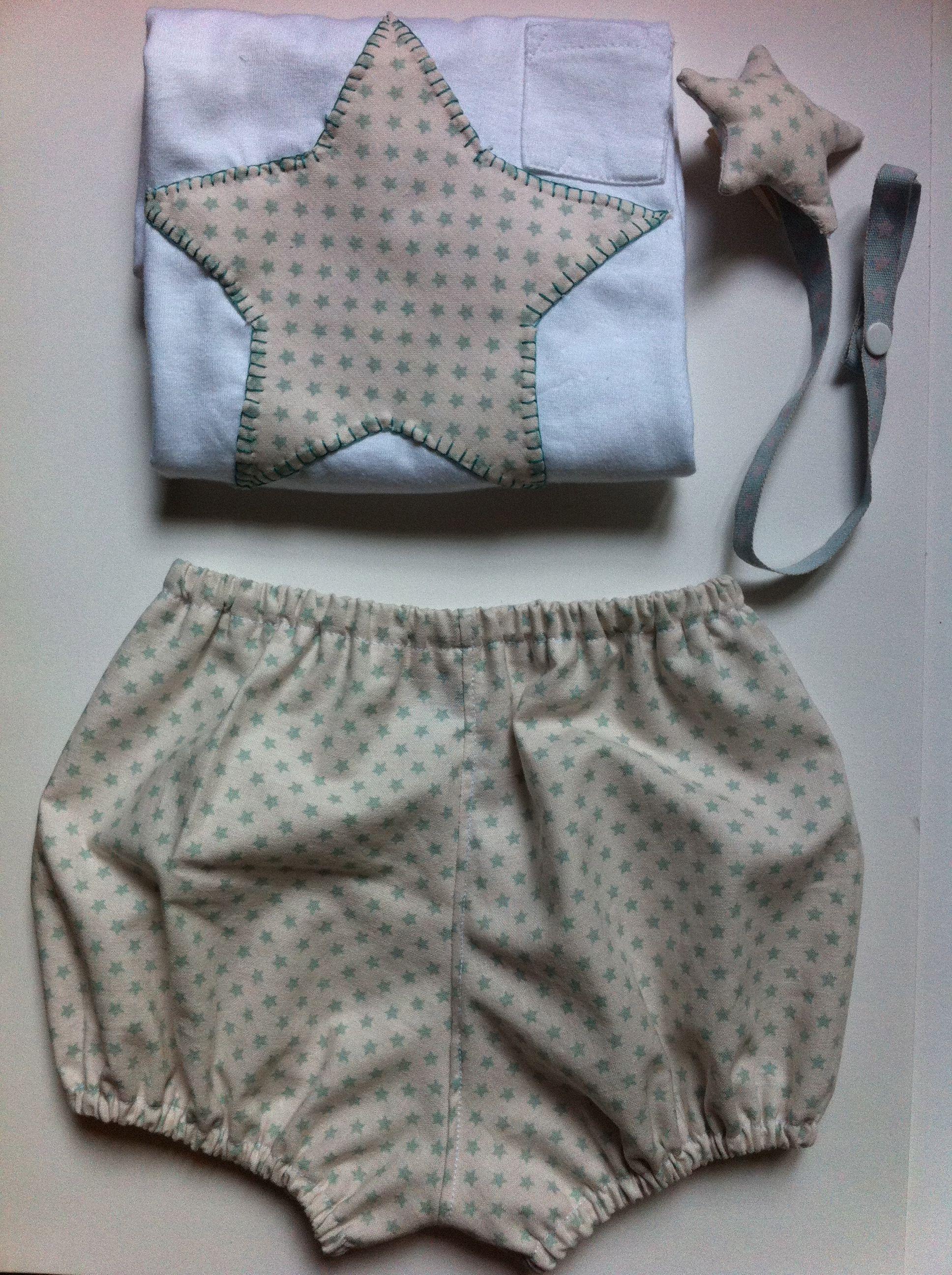 554c65d2a Camiseta con estrella y pantalones tipo ranita para niño o niña y chupetero  en forma de estrella a conjunto.